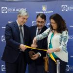 Imagen Con presencia del Rector Carlos Saavedra se inauguró renovado hall de la Facultad